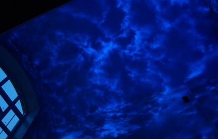Ультрафиолетовая аэрография стен