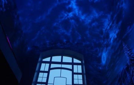 Флуоресцентная роспись потолка