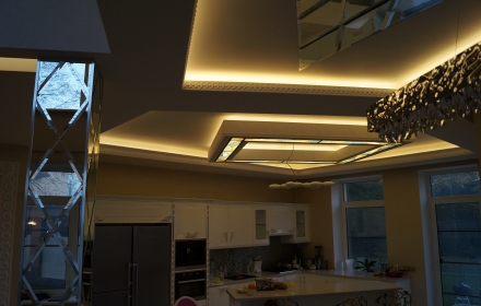 Закарнизное освещение потолка
