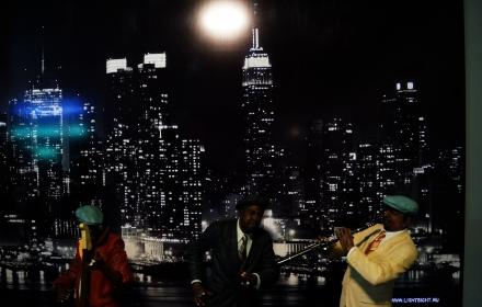 Светящееся панно ночной город в интерьере